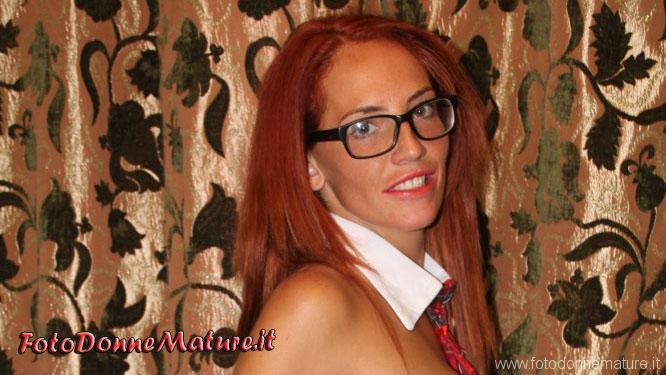 Amanda milf tettona rossa figa pelosa anteprima