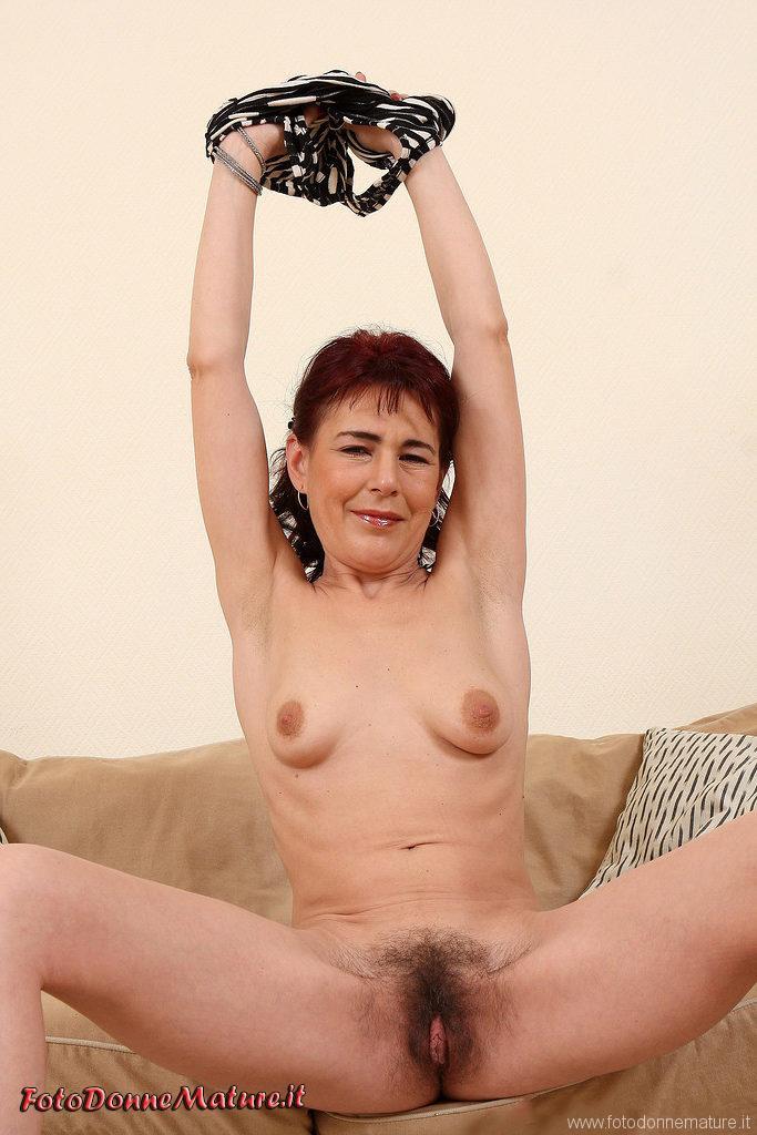 donna matura figa pelosa nuda