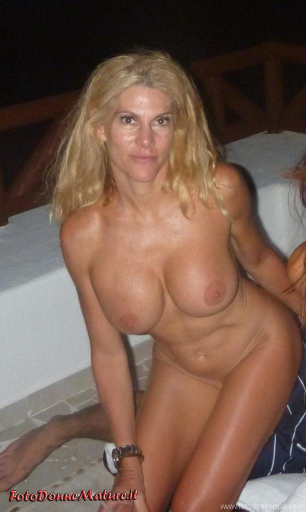 porno matura bionda tette gorosse figa depilata bisex (1)